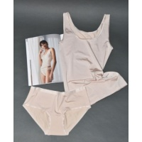 lz1_0425_cream_top_pants1